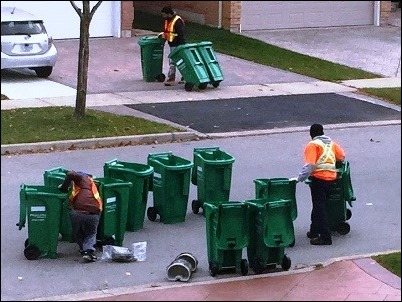garbagecarts01